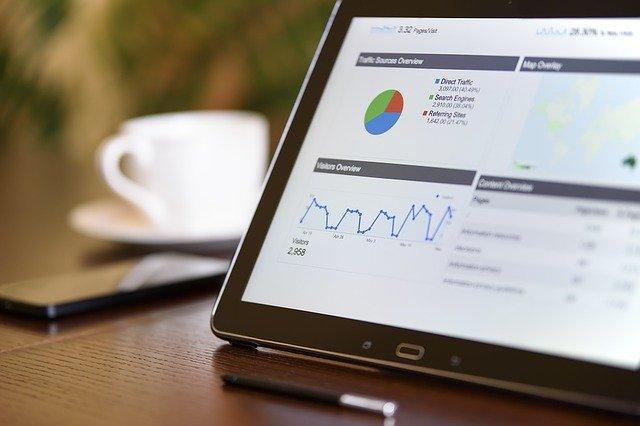 マーケティング代行とは?HP運用やWeb広告運用、SNSなど依頼するには。